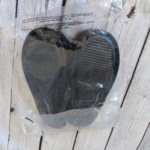 Victoria's Secret Shoes - 🆕NWT Victoria's Secret Slippers, Black PomPoms
